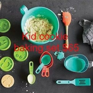 Pampered Chef Cookie Baking Set